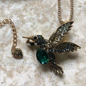 [NWOT] Betsey Johnson Green Hummingbird Necklace
